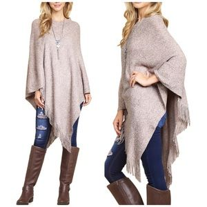 Grab and Go poncho top on MAUVE